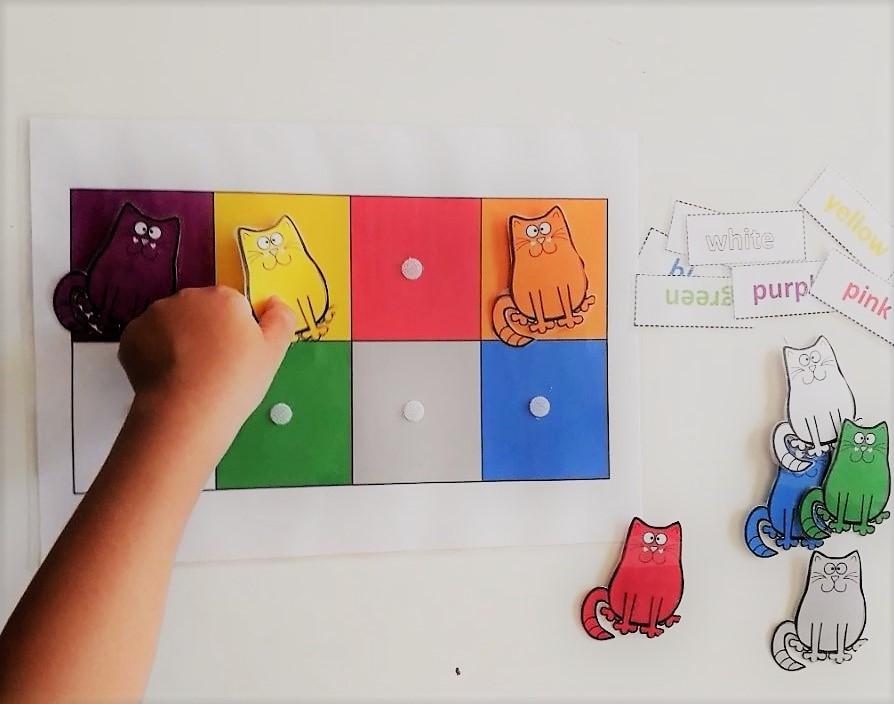 بطاقات مطابقة الألوان