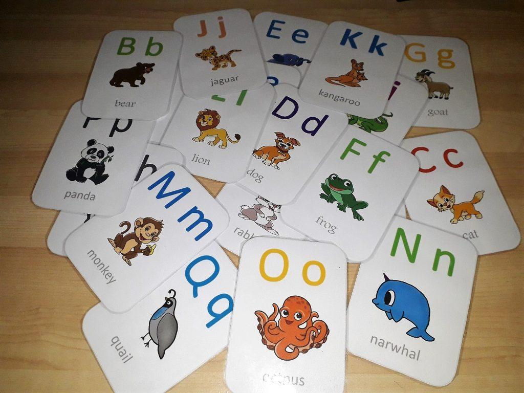 تعليم أصوات الحروف للأطفال