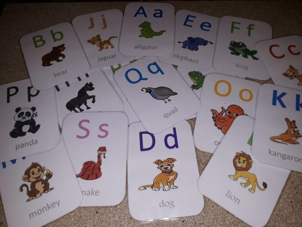 تعليم الأطفال أصوات الحروف